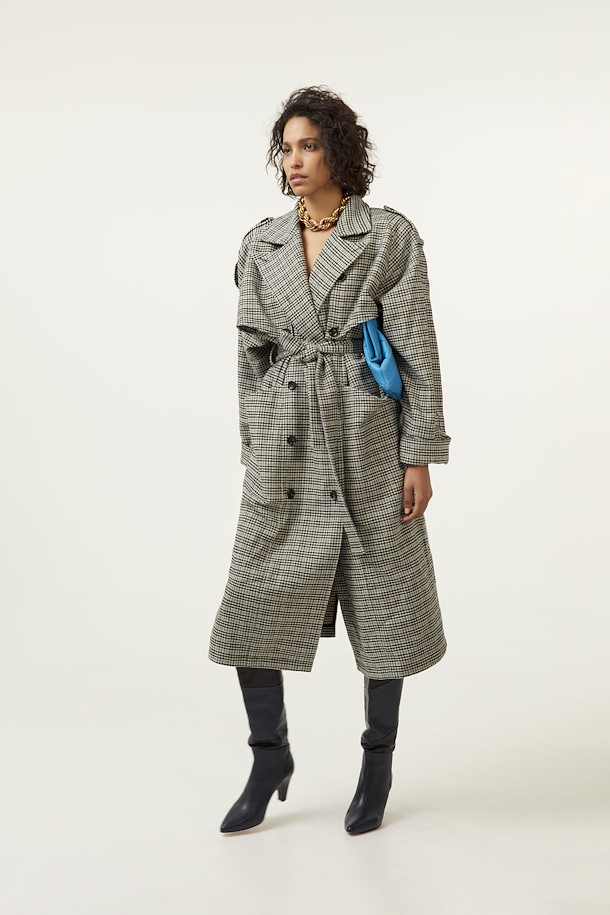 black-blue-check-mariagz-outerwear