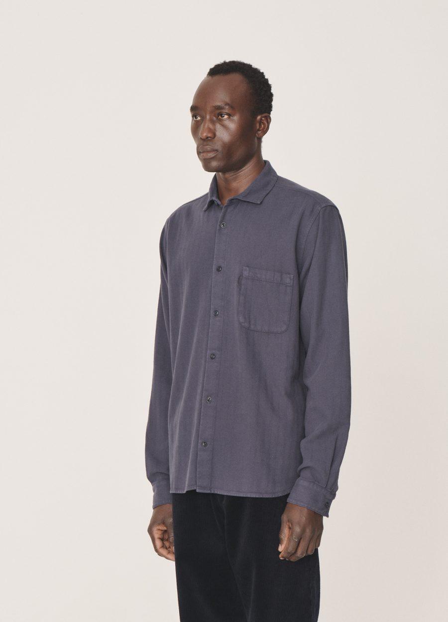 p2pav30_curtis_organic_cotton_herringbone_shirt_navy_003