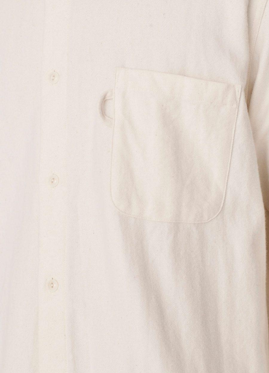 p2pav_curtis_shirt_ecru_030-1500×2079