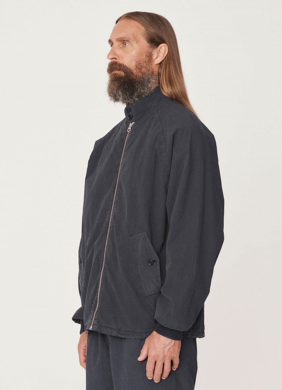 p5qaj_oversized_cotton_seersucker_harrington_jacket_navy_025-1