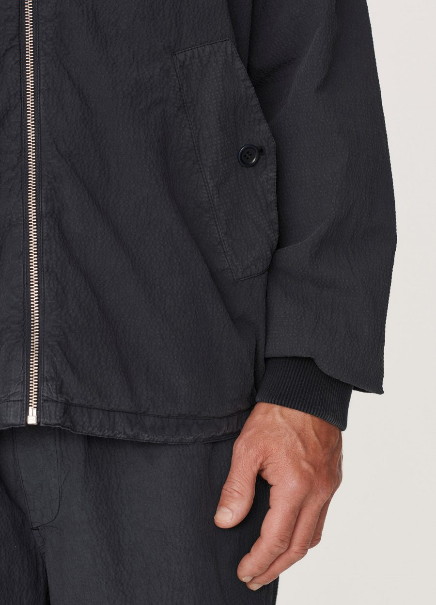 p5qaj_oversized_cotton_seersucker_harrington_jacket_navy_033